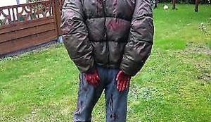 Lebensgroße Walking Dead Figur