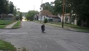 Einen B�ller auf der Kreuzung z�nden