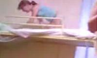 Absturz durchs Bett