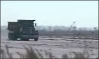 Crashtest - Truck gegen eine Betonwand