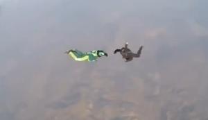 Fallschirmsprung ohne Fallschirm