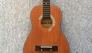 Scheiß-Gitarre zu verkaufen