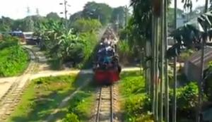Leicht überfüllter Zug