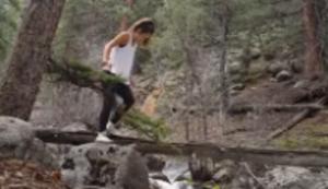 Yoga am Fluss