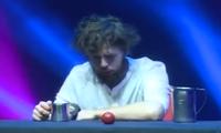 Tasse und Tomaten