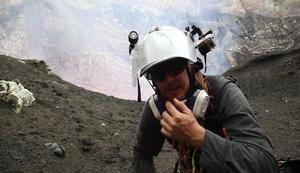 Gef�hrliche Aufnahmen am Vulkan