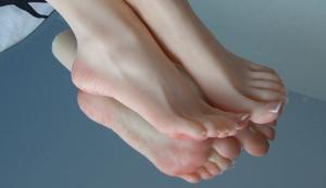 1 Paar Mädchen-Füße
