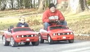 Strassenrennen zwischen Vater und Sohn
