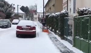 Schneeschieben mal anders