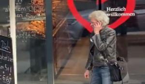 Es liegt an seinem Telefon