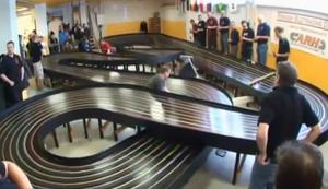 Schnelles Rennen auf der Carrera-Bahn