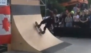 Mit dem Skateboard die Wand hoch