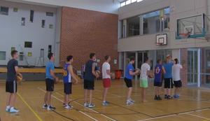 10 Basketb�lle 1 Korb