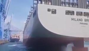 Mit dem Containerschiff anlegen