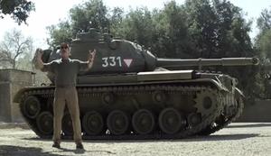 Panzerfahren mit Arnold Schwarzenegger