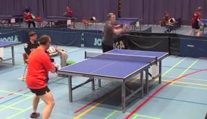 Sch�ner Trick beim Tischtennis