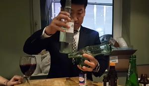 Flaschen balancieren