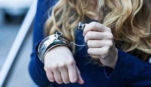 Armband-Flachmann