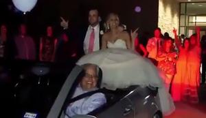 Mit dem Brautpaar davon fahren