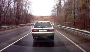 Wenn in Russland ein Baum auf der Straße liegt