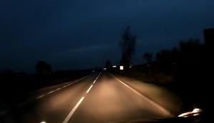 Nachts auf der Landstraße