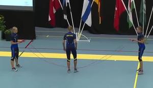 Schwedinnen beim Seilspringen