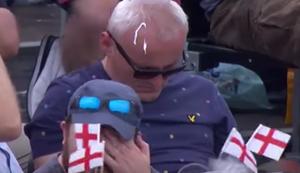 Beim Cricket eingeschlafen