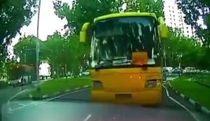 Vollbremsung mit dem Bus