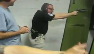 Sicherheitseinweisung am Schießstand