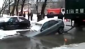 Auto aus dem Loch ziehen