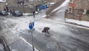Unüberwindbare Straße im Winter