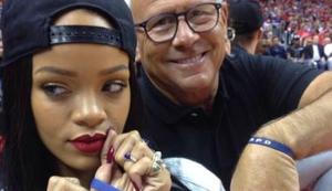 Von Rihanna signiertes Smartphone