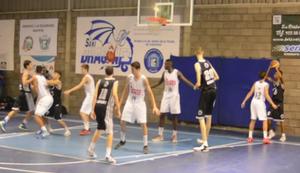 Mit Zwergen Basketball spielen
