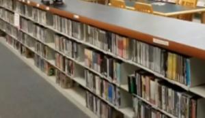 Skaten in der Bücherei