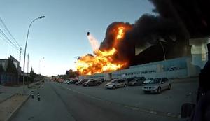 Explosion bei Großbrand