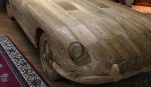 Jaguar e-Type aus Holz