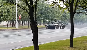 Straßenlaterne stoppt Panzer