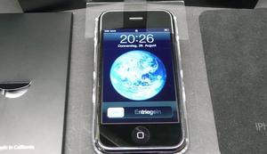 Nagelneues iPhone 2G von 2007