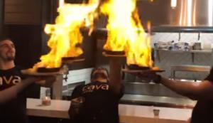 Saganaki in Brand gesetzt