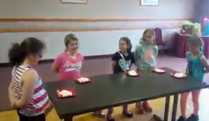 Wettessen beim Kindergeburtstag
