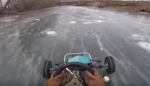 Kartfahren auf dem Eis