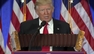 Donald Trump spielt Akkordeon