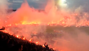 Toumba Stadion in Flammen