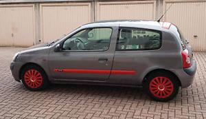 Renault Clio B Phase 2 1.2 16V Privilege
